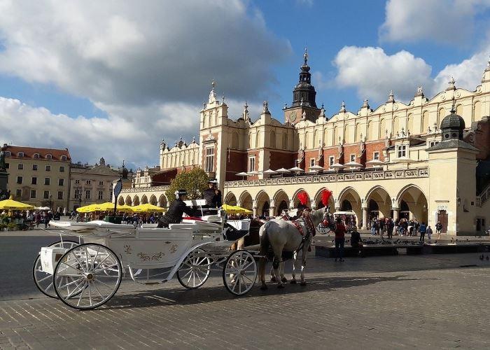 UM Kraków:                                       Szpital Żeromskiego wznowił zabiegi planowe