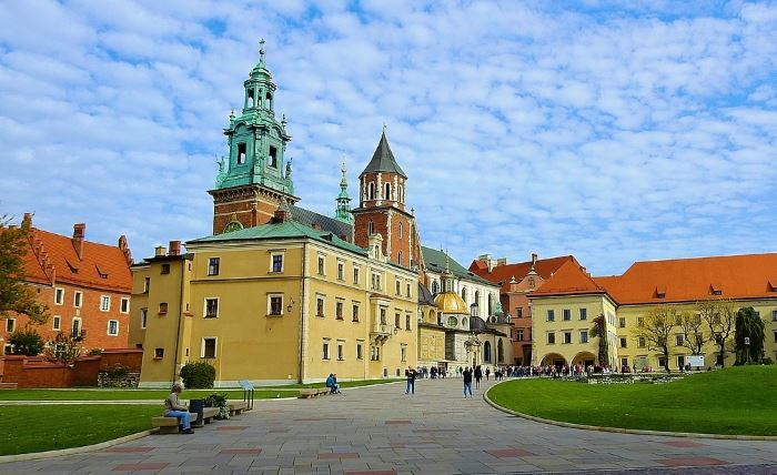 UM Kraków:                                       Zielony salon kultury na Wesołej