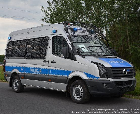 Policja Kraków: Odpowie za okradanie i niszczenie nagrobków